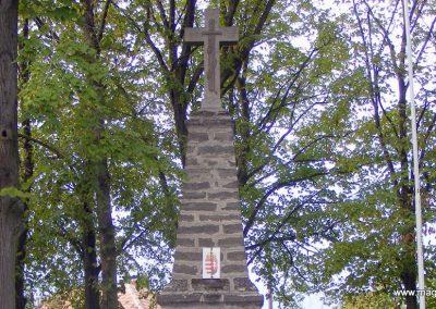Köcsk világháborús emlékmű 2012.10.08. küldő-Méri (1)