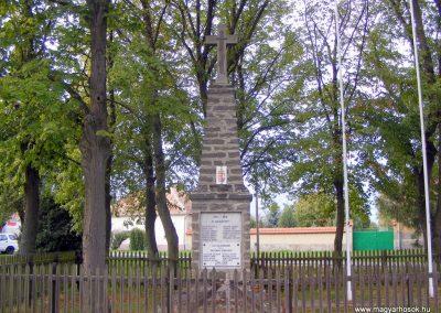 Köcsk, I-II. világháborús emlékmű