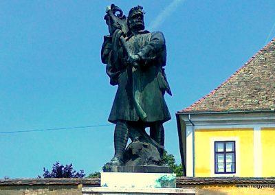 Kölesd világháborús emlékmű 2011.05.25. küldő-Csiszár Lehel (2)