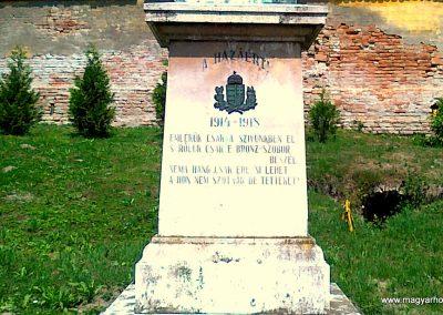 Kölesd világháborús emlékmű 2011.05.25. küldő-Csiszár Lehel (3)