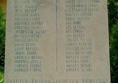 Kölesd világháborús emlékmű 2011.05.25. küldő-Csiszár Lehel (4)