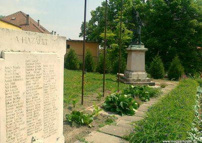 Kölesd világháborús emlékmű 2011.05.25. küldő-Csiszár Lehel (7)