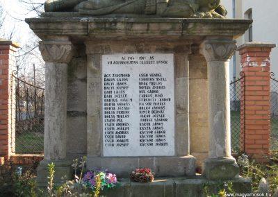 Kömlő világháborús emlékhely 2008.02.25.küldő-kalyhas (2)