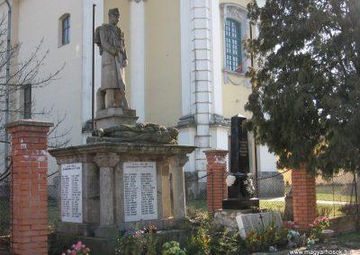 Kömlő világháborús emlékhely 2008.02.25.küldő-kalyhas (5)