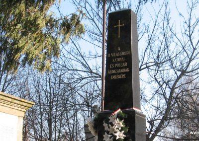 Kömlő világháborús emlékhely 2008.02.25.küldő-kalyhas (7)