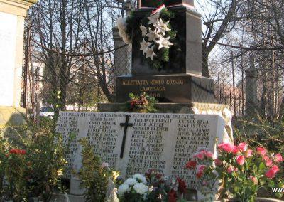 Kömlő világháborús emlékhely 2008.02.25.küldő-kalyhas (8)