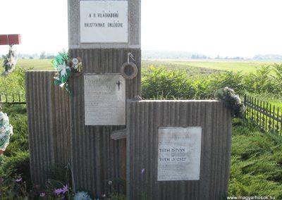 Köröm II.vh emlékmű 2007.09.24.küldő-Kályhás (1)
