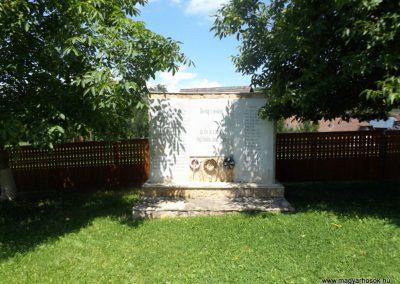 Körösfő világháborús emlékmű 2018.07.11. küldő-Bóta Sándor (1)