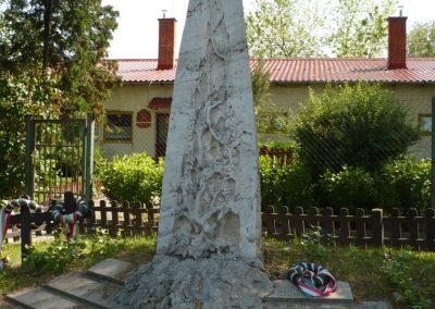 Köröshegy II.vh emlékmű 2009.05.17.küldő-Ágca (5)