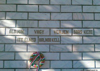Köröstárkány hősi emlékmű 2011.08.11.küldő-Csiszár Lehel (5)