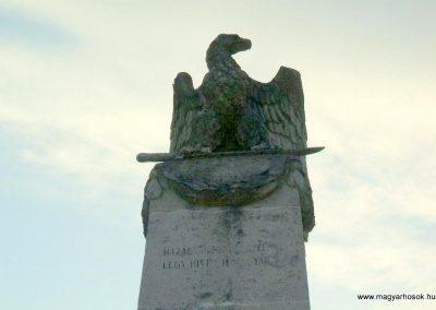 Körmend világháborús emlékmű 2007.10.04.küldő-Tamás69 (1)
