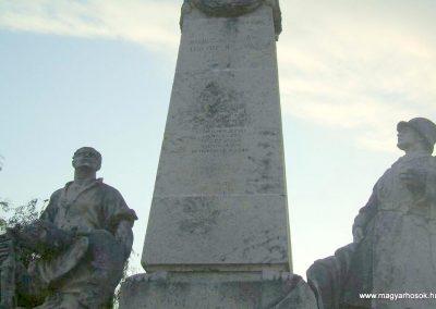 Körmend világháborús emlékmű 2007.10.04.küldő-Tamás69 (2)