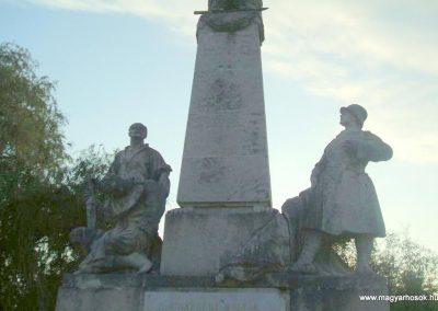Körmend világháborús emlékmű 2007.10.04.küldő-Tamás69 (3)