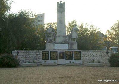Körmend világháborús emlékmű 2007.10.04.küldő-Tamás69