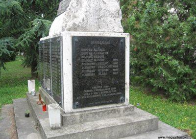 Környe II.vh emlékmű 2008.07.04.küldő-Kályhás (3)