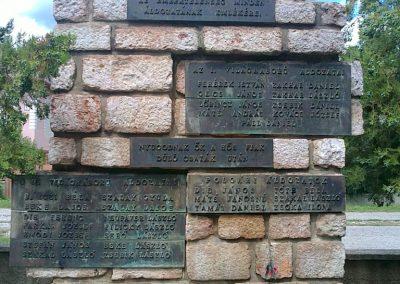 Körtvélyes világháborús emlékmű 2012.07.12. küldő-Pataki Tamás (1)