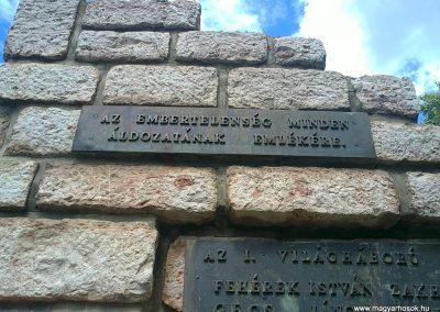 Körtvélyes világháborús emlékmű 2012.07.12. küldő-Pataki Tamás (2)