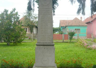 Körtvélyfája világháborús emlékmű 2010.08.08. küldő-Szabó Nándor