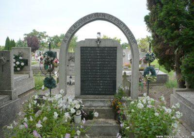 Kübekháza II. világháborús emlékmű 2014.09.04. küldő-Sümec (2)