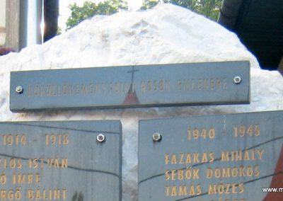 Küküllőkeményfalva világháborús emlékmű 2011.09.20. küldő-Mónika39 (2)
