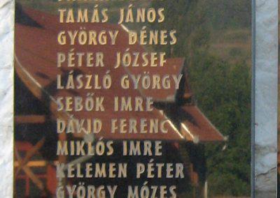 Küküllőkeményfalva világháborús emlékmű 2011.09.20. küldő-Mónika39 (3)