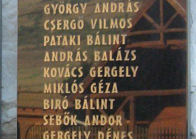Küküllőkeményfalva világháborús emlékmű 2011.09.20. küldő-Mónika39 (4)