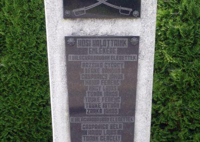 Külsősárd világháborús emlékmű 2010.08.13. küldő-Sümec (1)