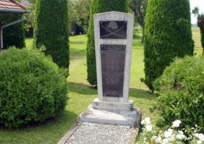 Külsősárd világháborús emlékmű 2010.08.13. küldő-Sümec