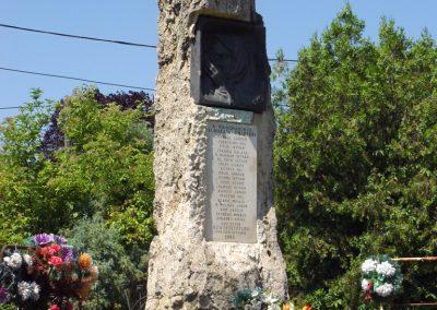 Kőröstetétlen világháborús emlékmű 2010.07.10. küldő-Budai Annamária