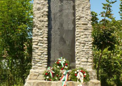 Kőrispatak világháborús emlékmű 2014.07.20. küldő-Gombóc Arthur