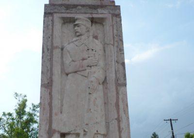 Kőszárhegy világháborús emlékmű 2010.05.30. küldő-Sümec (2)