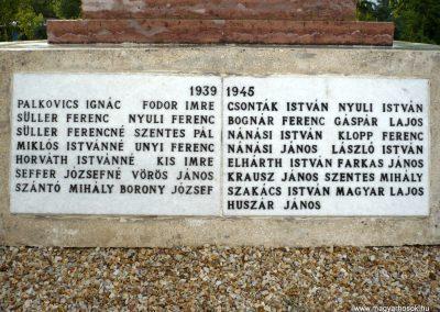 Kőszárhegy világháborús emlékmű 2010.05.30. küldő-Sümec (4)
