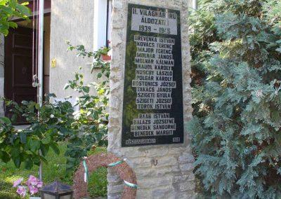 Kőszegszerdahely világháborús emlékmű 2007.08.29.küldő-HunMi (2)