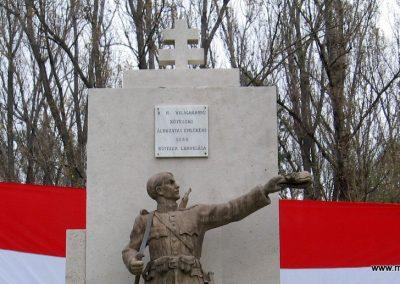 Kőtelek világháborús emlékmű 2008.10.23. küldő-Kályhás (2)
