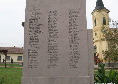 Kőtelek világháborús emlékmű 2008.10.23. küldő-Kályhás (4)