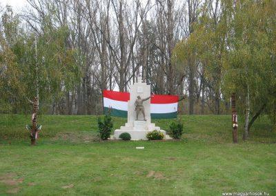 Kőtelek világháborús emlékmű 2008.10.23. küldő-Kályhás