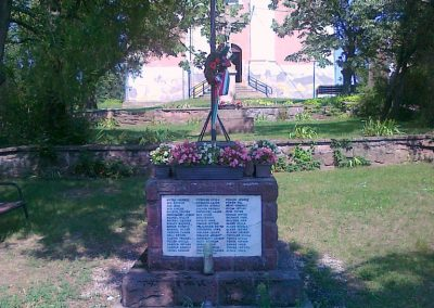 Kővágóörs világháborús emlékmű 2010.08.12. küldő-Csiszár Lehel