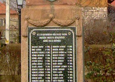 Kővágószőlős világháborús emlékmű 2012.01.29. küldő-Turul 68 (4)