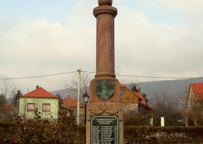 Kővágószőlős világháborús emlékmű 2012.01.29. küldő-Turul 68