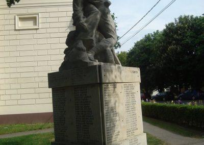 Kaba I.vh emlékmű 2009.05.16.küldő-Huszár Peti (5)