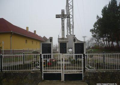 Kacorlak Hősi emlékmű 2009.11.21. küldő-Sümec