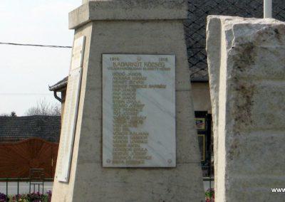 Kadarkút Hősi emlékmű 2009.04.05. küldő-kalyhas (11)