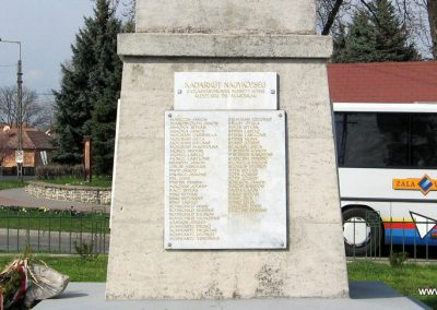 Kadarkút Hősi emlékmű 2009.04.05. küldő-kalyhas (13)