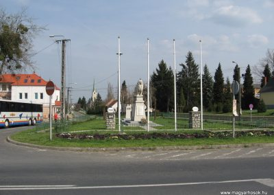 Kadarkút Hősi emlékmű 2009.04.05. küldő-kalyhas