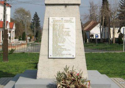 Kadarkút Hősi emlékmű 2009.04.05. küldő-kalyhas (7)
