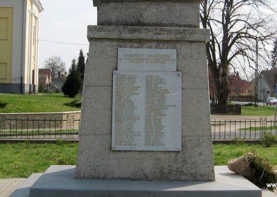 Kadarkút Hősi emlékmű 2009.04.05. küldő-kalyhas (9)