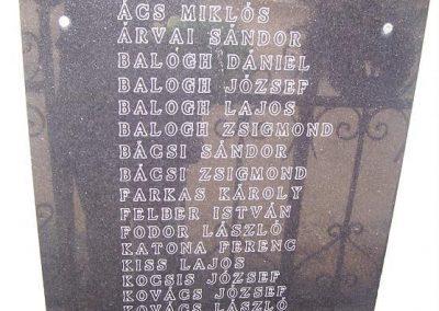 Kajárpéc világháborús emléktáblák 2009.01.10.küldő-Ancsa84 (3)