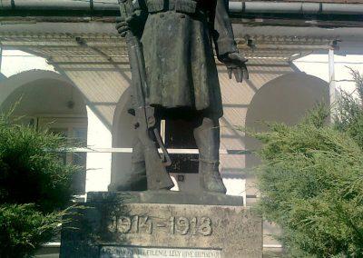 Kajászó világháborús emlékmű 2011.06.25. küldő-Bajnok (1)