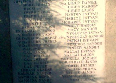 Kajászó világháborús emlékmű 2011.06.25. küldő-Bajnok (3)