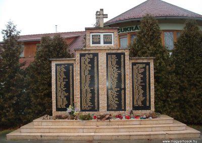Kakasd világháborús emlékmű 2007.12.13. küldő-Ágca